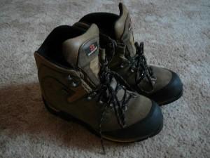 Одежда, обувь. Ботинки горные Garmot