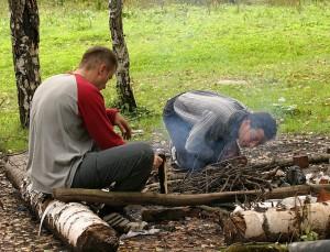 Разжигая костер
