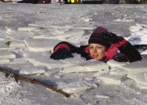провалилась под лед