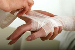Первая помощь при ранах, царапинах, ссадинах