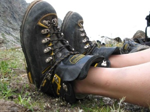 Выбираем обувь для похода в лес