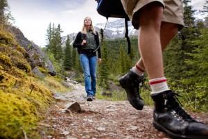 Как выбрать одежду и обувь для похода?
