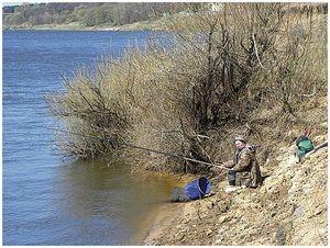 По «рыжей» воде средних и больших рек