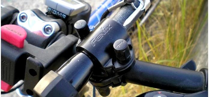 Крепление Fenix Bike Flashlight Mount для фонарей Fenix, крепление для фонаря на руль велосипеда.