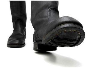 Военная обувь на охоте