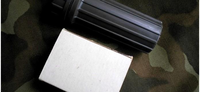 Защита спичек в наборе выживания от влаги, контейнеры и футляры для хранения спичек.