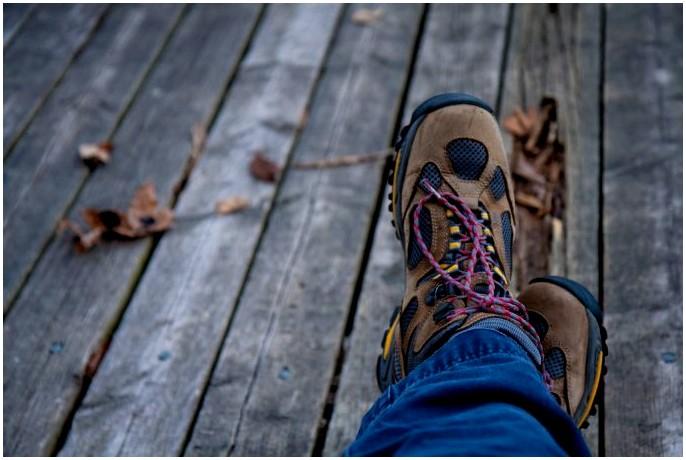 Лучшие водонепроницаемые кроссовки: сделайте местность не проблемой