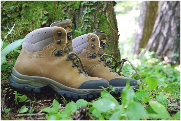 Кроссовки против Походные ботинки: как выбрать лучшую походную обувь