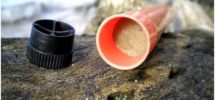 Простейший малогабаритный носимый походный фильтр для очистки и фильтрации воды в полевых условиях.