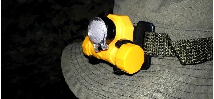 Автомобильный НАЗ, аварийный автомобильный комплект или набор, средства медпомощи, средства сигнализации и освещения в аварийном наборе для автомобиля.