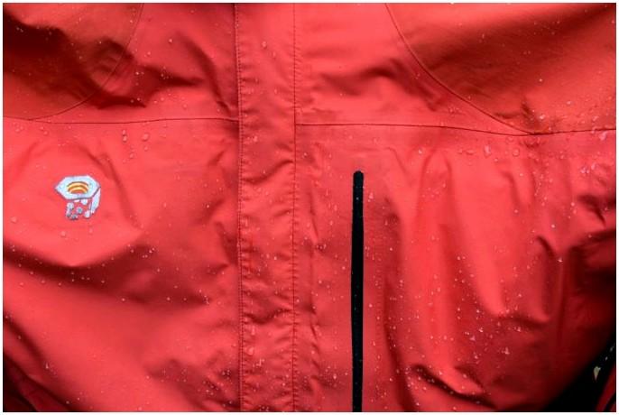 Как стирать водонепроницаемую куртку: держать свое снаряжение в форме