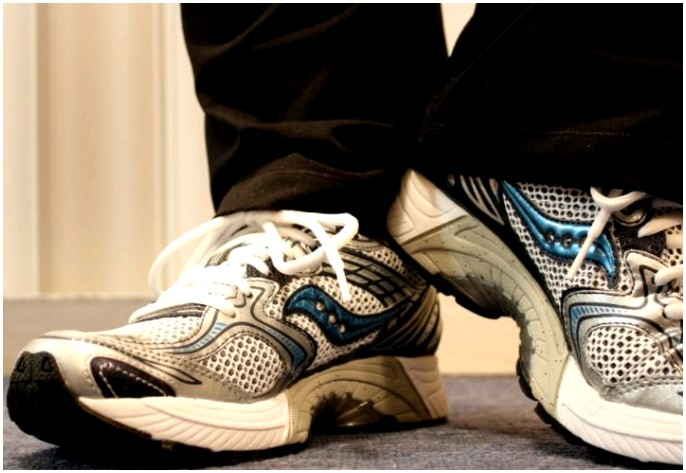 Как ходить: пошаговое руководство по улучшению осанки и ходьбы для жизни