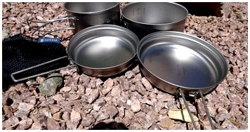 Лучшие кухонные принадлежности для кемпинга: готовить вкусно на природе
