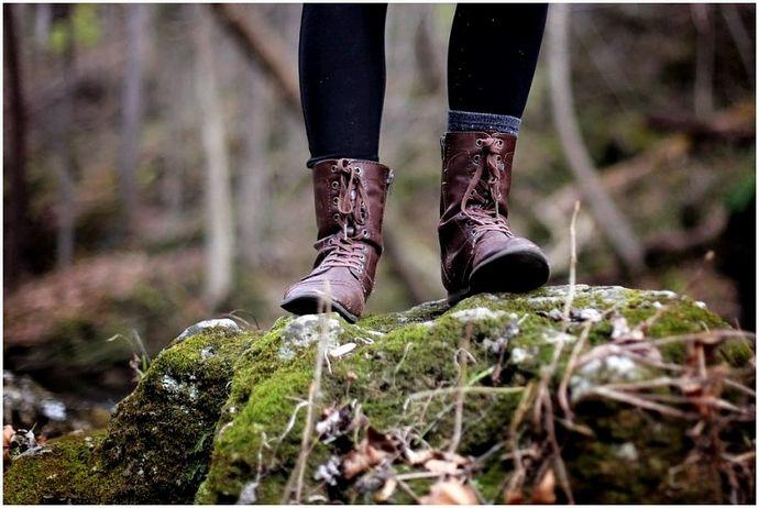 Стильные походные ботинки: как ослепить при ходьбе