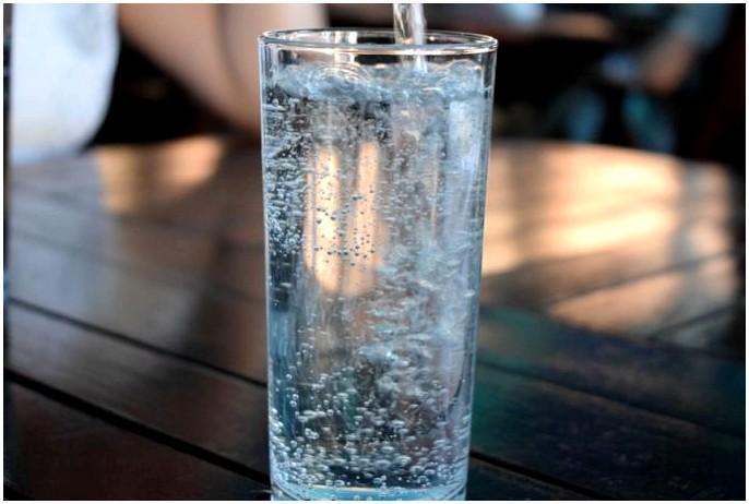 Чрезмерное увлажнение: как узнать, когда вы выпили слишком много воды