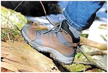 Лучшие походные ботинки для мужчин: продолжайте идти, когда дела идут плохо