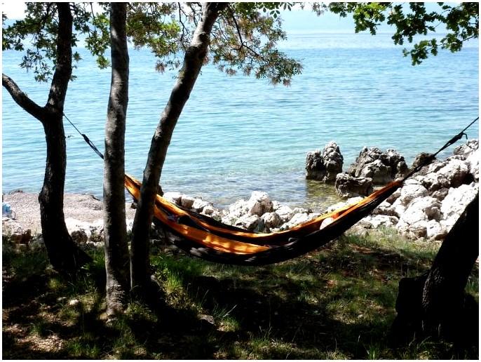 Гамак против палатки: парящий в воздухе или в старой доброй Terra Firma?