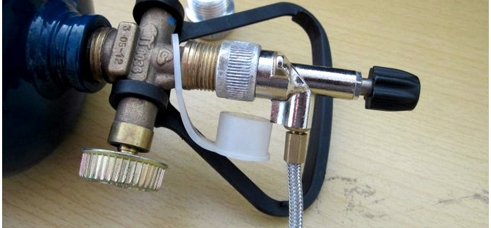 Кемпинговый газовый баллон GZWM BT-0.5, переходники для заправки баллона на АЗС и на газовую горелку Epi-Gas, обзор.
