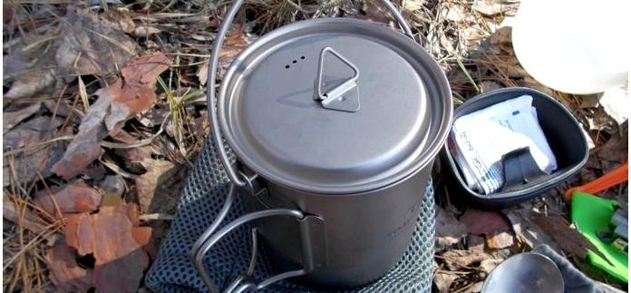 Титановая кружка-котелок Tomshoo Outdoor Camping 750ml Ultralight Titanium Pot, назначение и характеристики, использование в составе легкого набора посуды, обзор.