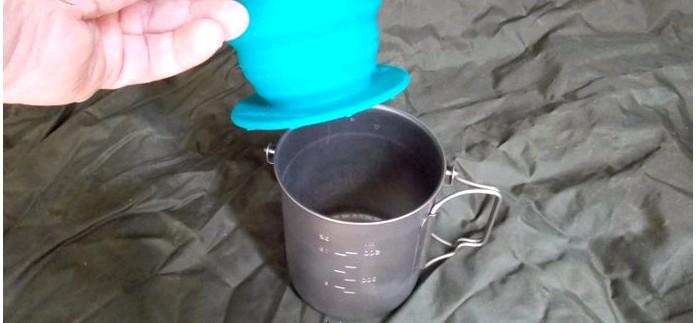 Заваривание молотого кофе методом пуровер с помощью воронки-дриппера Sea to Summit X-Brew Coffee Dripper, выбор кофе, его помол и обжарка, пропорции молотого кофе и воды.
