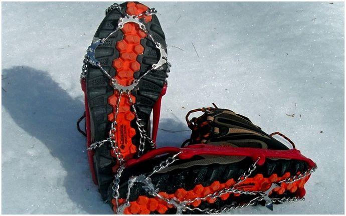 Crampons vs Microspikes: прохождение снега