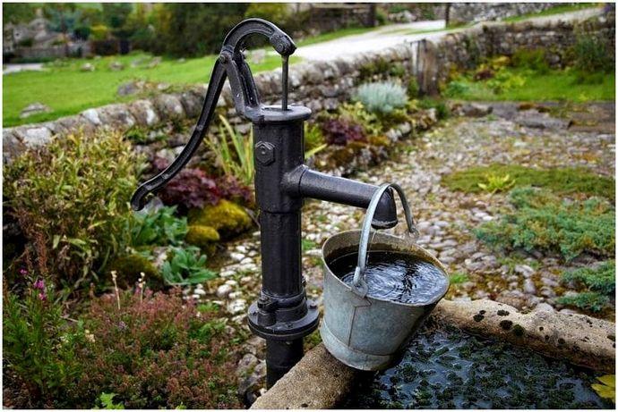 Как выкопать колодец: добыть воду для своей семьи
