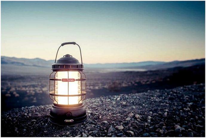 Лучший кемпинг фонарь: не оставайтесь в темноте