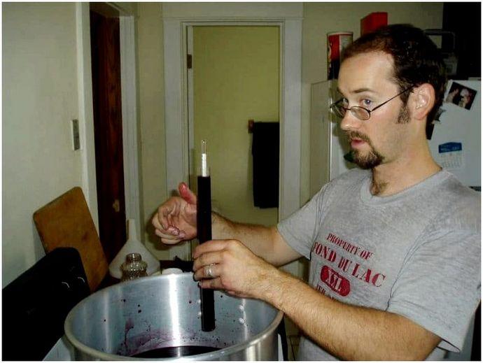 Как сделать этанол: устойчивость с вашим собственным топливом