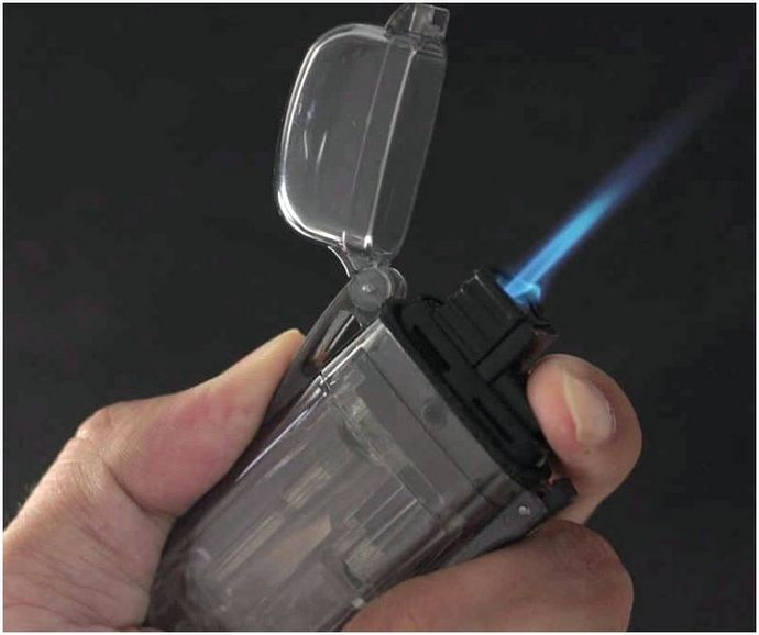 Лучшая водонепроницаемая зажигалка: как согреться даже в плохую погоду
