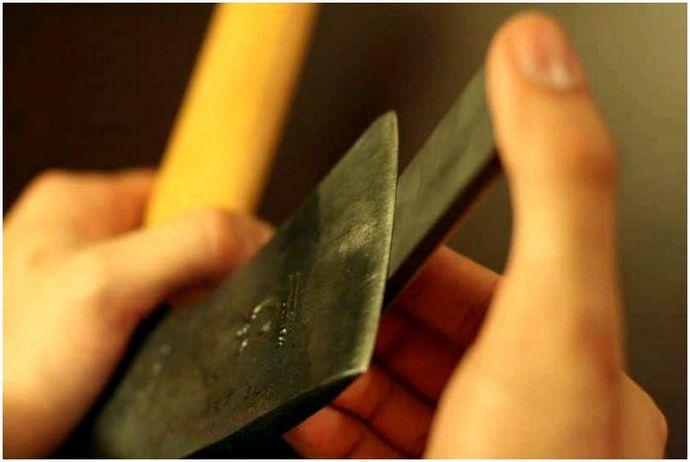 Как точить топор: разные инструменты и техники заточки