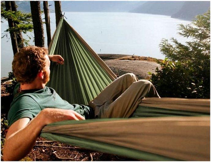 Лучший гамак для кемпинга: ультра-комфорт для вас и вашей семьи