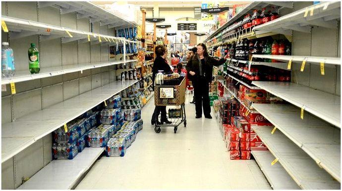 Контрольный список готовности к ураганам: предметы, которые должны быть в вашем аварийном комплекте