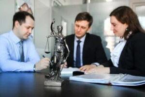 Помогает ли бесплатная консультация у юристов?